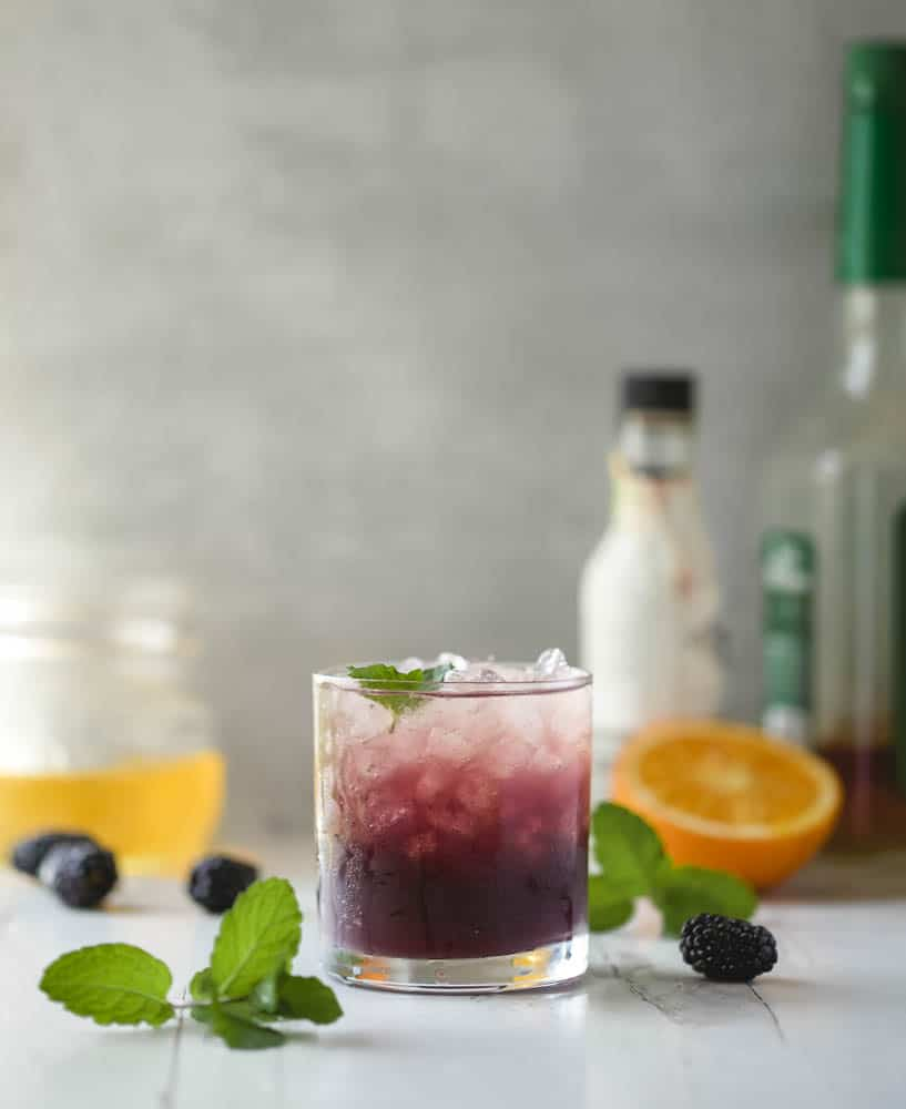 blackberry smash with bourbon - a refreshing cocktail for any season!