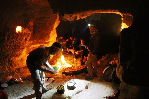 C'est la fête dans la grotte !