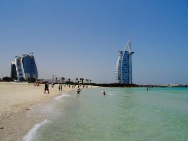 1. La Burj Al Arab, seul hotel 7 étoiles du monde