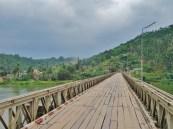 Myanmar : Un pont de bois