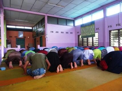 Pause dans une mosquée