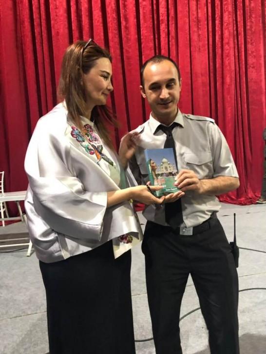 Qənirə Paşayeva Türkiyədə imza mərasimi keçirib-