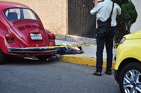 El crimen ocurrió en la calle Cuitzeo, entre avenida Chimalhuacán y Laguna de Términos .