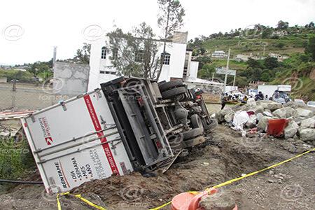 Los demás trabajadores pretendían golpear al conductor.