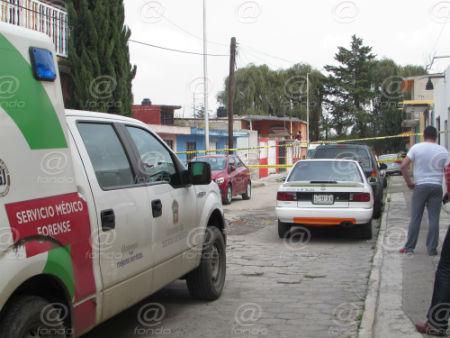 Vecinos solicitaron ayuda de policías y paramédicos.