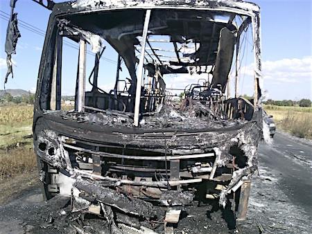 autobus-quemado