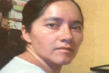 La mujer desapareció al salir de su casa para acompañar a su hija.
