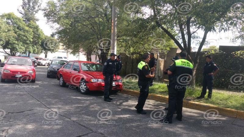El auto fue hallado más adelante, donde los ladrones robaron otro vehículo.