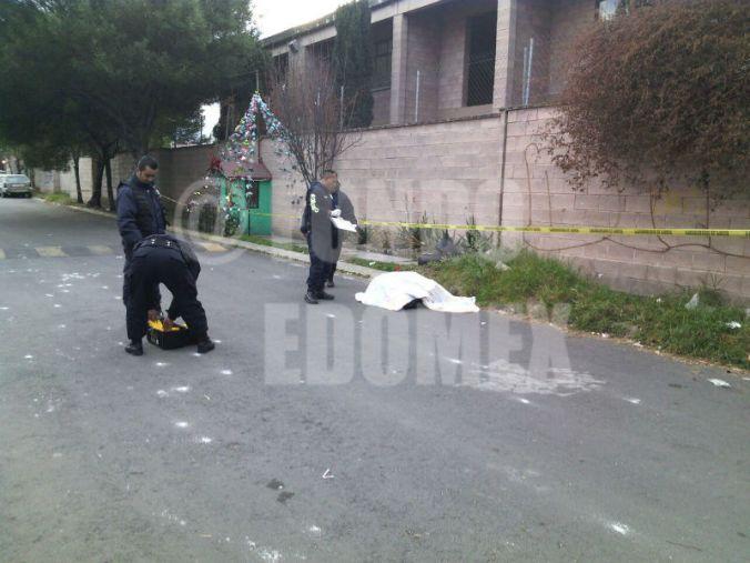 Vecinos encontraron el cuerpo al salir de sus casas.