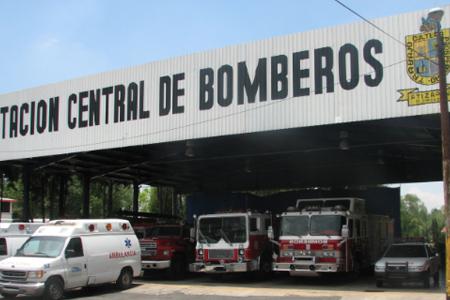 Camión de bomberos de Atizapán arrolla a peatón