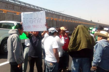 Ejidatarios bloquean carretera México-Toluca
