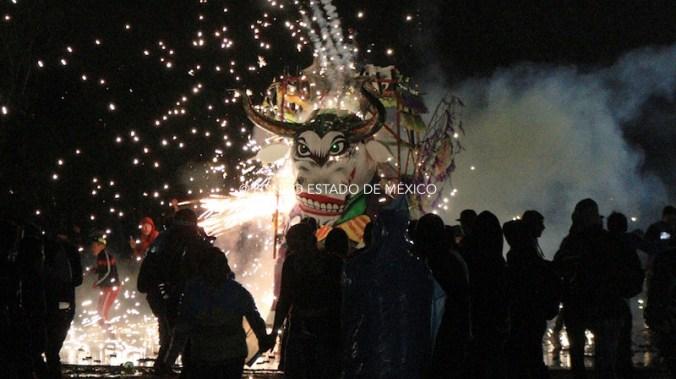 Quema de toritos deja 176 lesionados en Tultepec