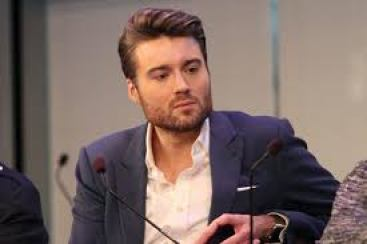 Pete Cashmore- mashable.com- the 2nd richest blogger in the world
