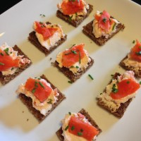 Simple Smoked Salmon Appetizer