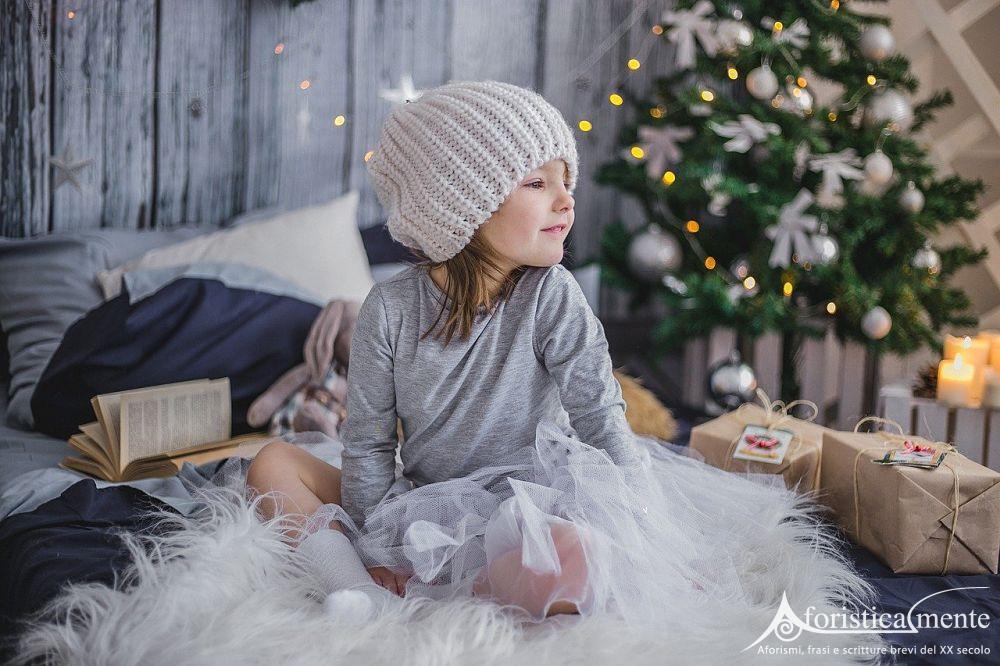 Immagini natalizie con babbo natale, renne, doni, con frasi di natale e auguri natalizi speciali. Auguri Di Natale Per Bambini Le Frasi Piu Belle Aforisticamente