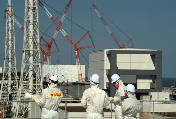 東京電力、外国メディアに福島第1原発を公開