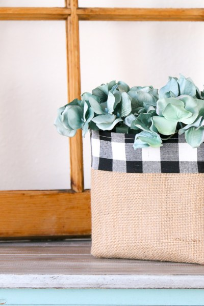 A SIMPLE BURLAP BASKET TUTORIAL