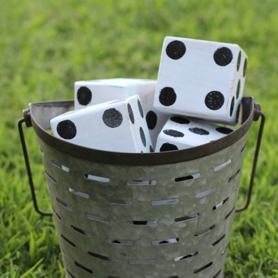 DIY WOOD GAMES FOR YOUR NEXT OUTDOOR PARTY