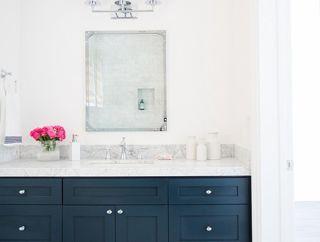 CREATIVE WAYS TO ADD NAVY BLUE TO YOUR HOME DECOR