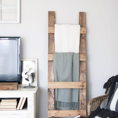 Have you been wanting to add some farmhouse style touches to your bedroom?I have compiled a great list of ways to DIY your way to a farmhouse style bedroom. DIY YOUR WAY TO A FARMHOUSE STYLE BEDROOM