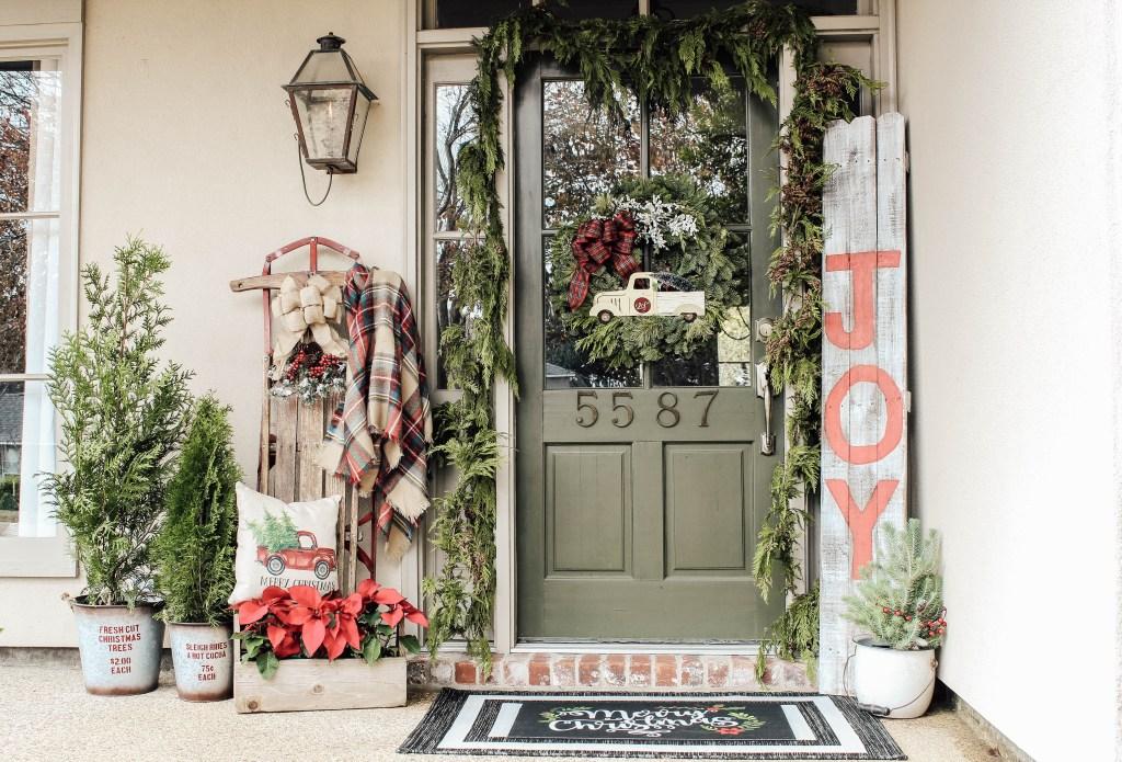 Outdoor Farmhouse Christmas Decorating Ideas A Fresh