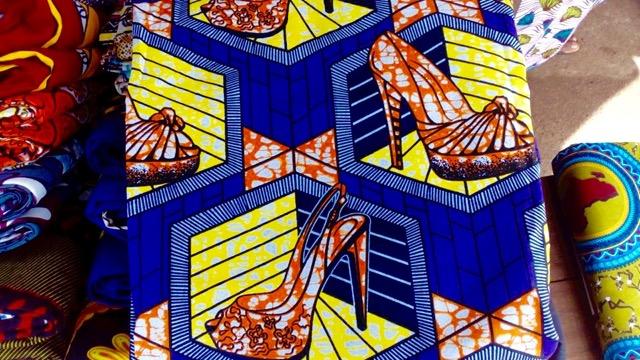 ハイヒール柄の布