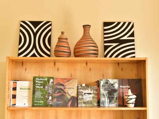 原材料は子牛のフン!?魅力溢れるルワンダの伝統アート「イミゴンゴ」展が東京で開催へ!