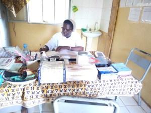 Soeur Dénise responsable de la maternité
