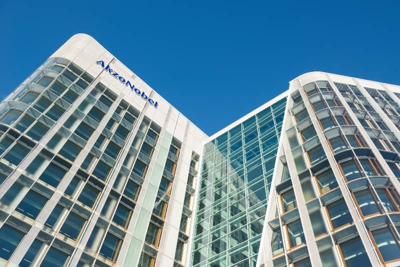 AkzoNobel Delivers 15 By 20 Promise And Continues Strong Momentum In Q4, With 6% Revenue Growth In Comparable Currencies