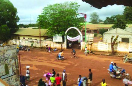 Guinée: le débat sur le changement de Constitution continue à agiter le pays.
