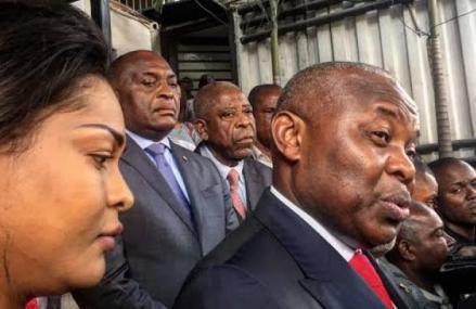 Kinshasa: L'épouse de Kamerhe, Amida Shatur se dit «disponible à répondre à toute invitation de la justice»