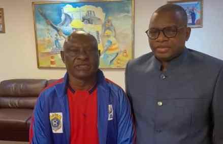 Foot-Ligue 2 : Camille Bolombo, nouvel entraîneur de l'US Tshinkunku de Kananga