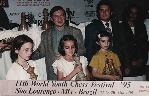 Alina wins in the Girls U10 category at the 1995 World Youth Chess Championship in Sau Lorenco, Brazil