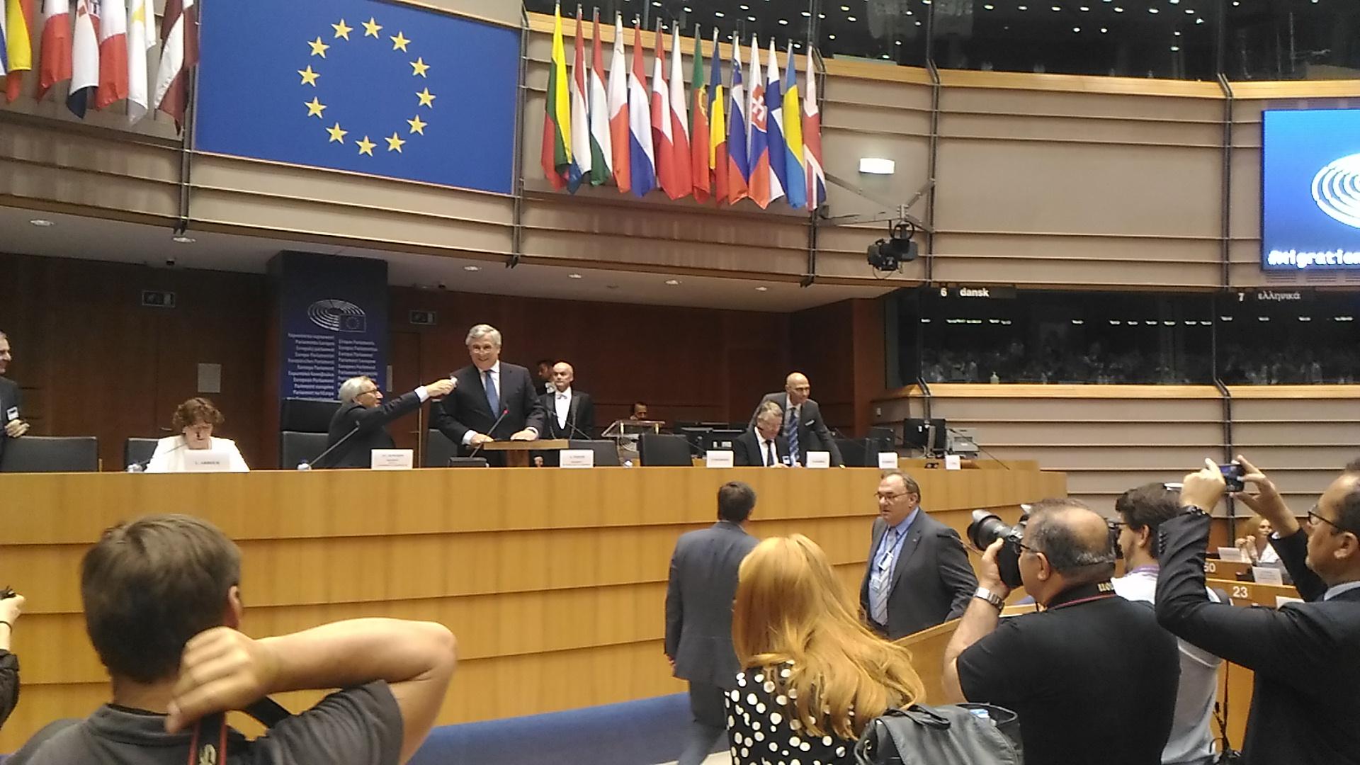 MEPs discuss migration management