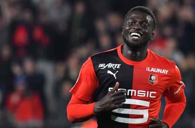 Rennes: M'Baye Niang change d'agent