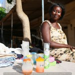 Nafi Bop, mamma abitante dell'Unitè 7 di Parcelles Assainies, periferia di Dakar, è tra le prime beneficiarie del progetto di microcredito sperimentato nel quartiere da Adu7