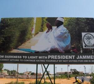 Yaya Jammeh in campagna elettorale