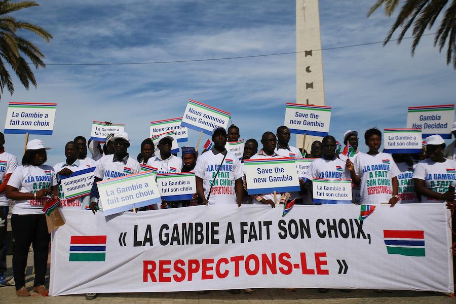 Elezioni in Gambia/6. La società civile senegalese e gambiana protesta a Dakar