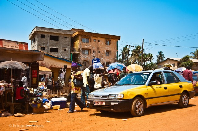 Sierra Leone politics: On the streets of the capital Freetown, Sierra Leone. Credit: Eduardo Fonseca Arraes.