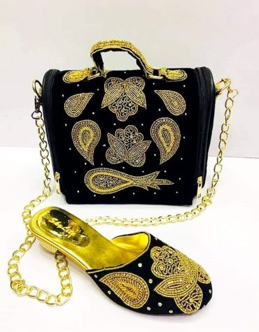 African Women Beaded Handmade heavy Crystal Pearl Hand Bags for Wedding party