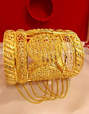 New Stylish African Designer Golden Plated Premium Big Bangle