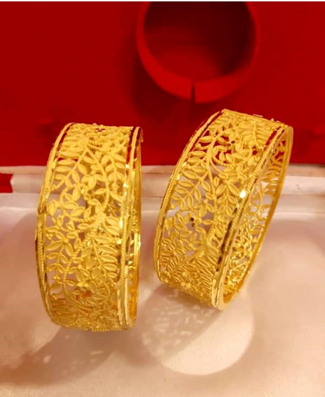 Stylish African Designer Jaali Designer Golden Plated Bangle