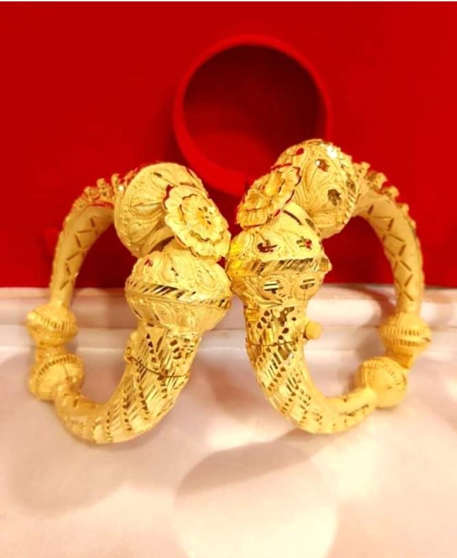 New Flower Designer Golden Plated Couple Bangle 2 Set