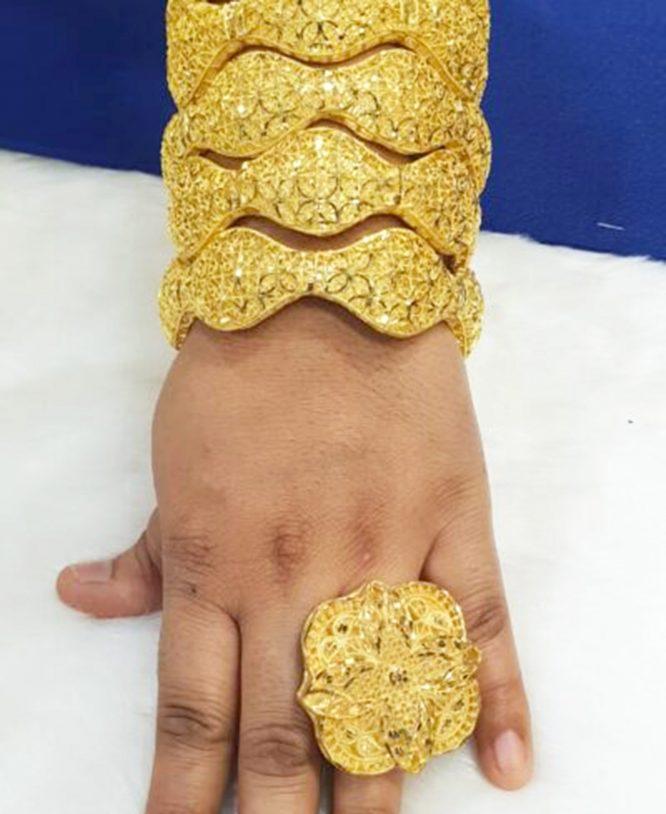 African Designer Golden Plated Premium Wavy Bold Bangle 2 Set With Finger Ring