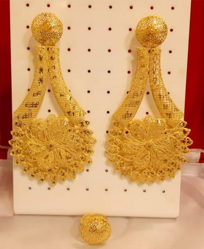 African Designer golden earring wedding party set for Woman