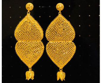 New Designer Golden Plated Trendy Earrings And Bracelets For Women