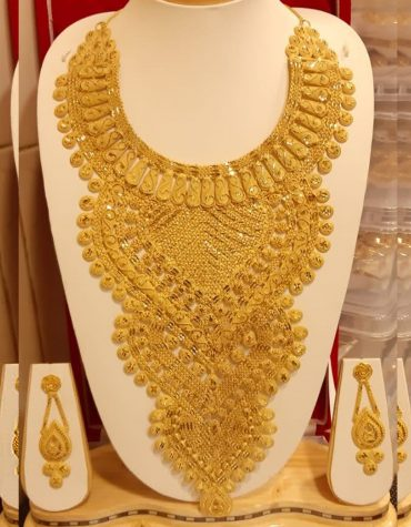 Latest Unique Designs Gold Jewellery Necklace and Earrings Set For Women