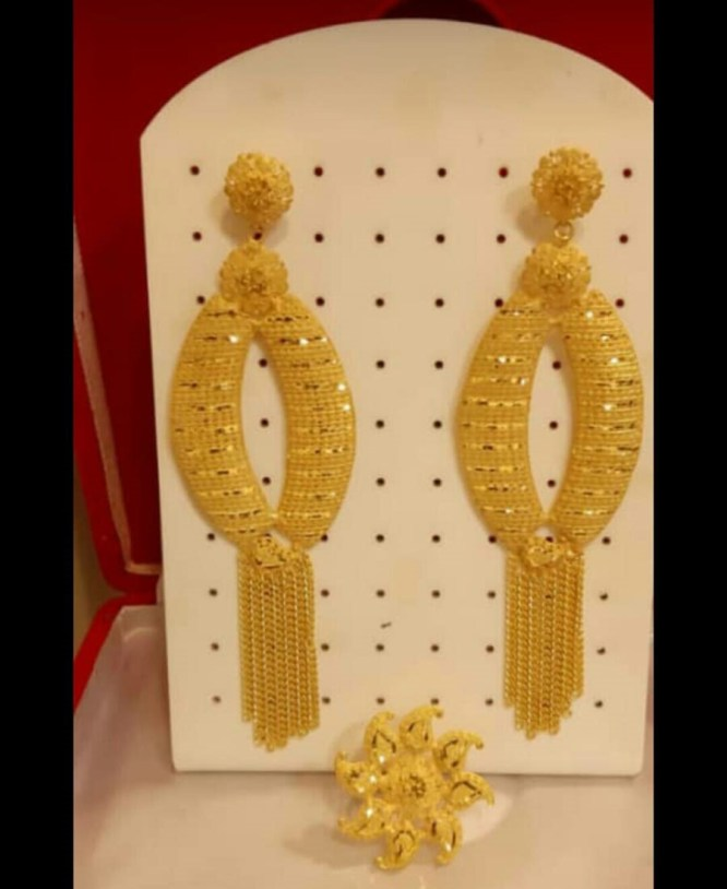 African Formal Latest Wedding Party Wear Earrings 2 Gram Gold for Women
