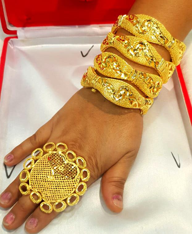 African Latest Style Elegant Gold 4 Piece Bangles Set with Designer Finger Ring