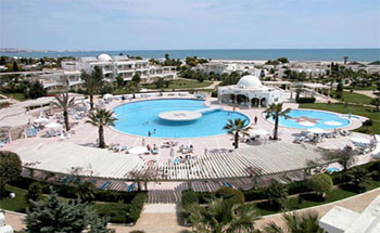 Trois Tunisiens sur dix (30%) ont prévu de dépenser moins que l'an dernier pendant leurs vacances d'été C'est ce que révèle un sondage qui vient d'être publié par l'institut TUNISIE SONDAGE.